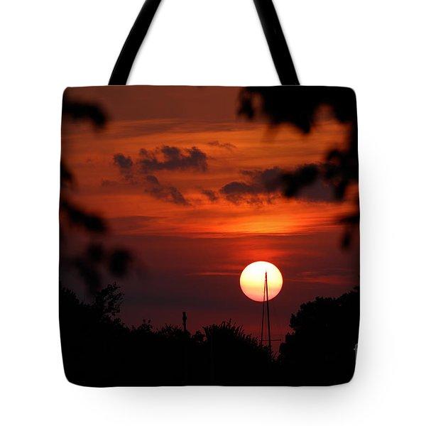 Sunset At Lake Hefner Tote Bag