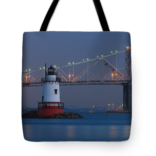 Tarrytown Lighthouse And Tappan Zee Bridge At Twilight Tote Bag by Clarence Holmes