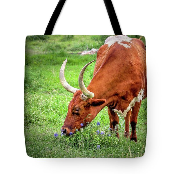 Texas Longhorn Grazing Tote Bag