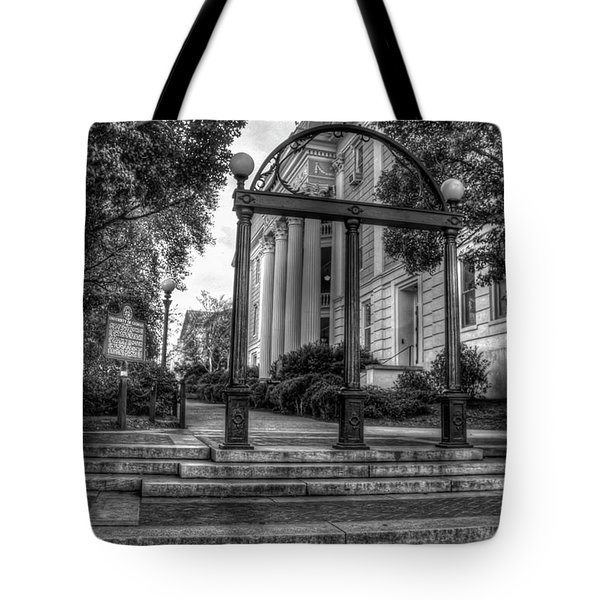 The Arch 5 University Of Georgia Arch Art Tote Bag