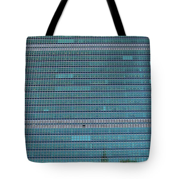 Tote Bag featuring the photograph United Nations Secretariat Building by Mitch Cat