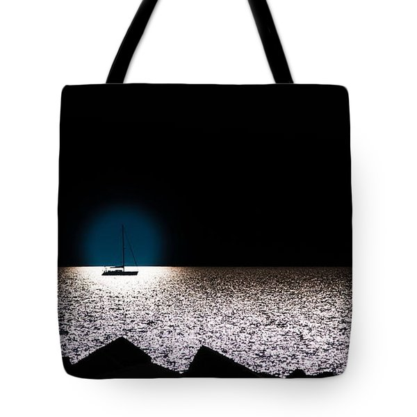 Tote Bag featuring the photograph Vela by Bruno Spagnolo
