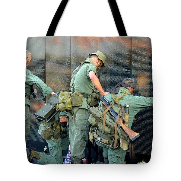 Veterans At Vietnam Wall Tote Bag