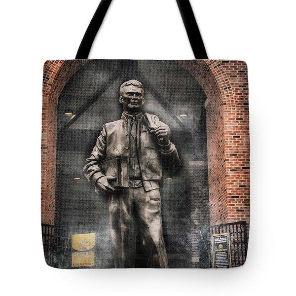 10726 Kinnick Statue Tote Bag