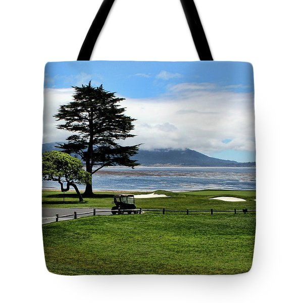 18th At Pebble Beach Horizontal Tote Bag