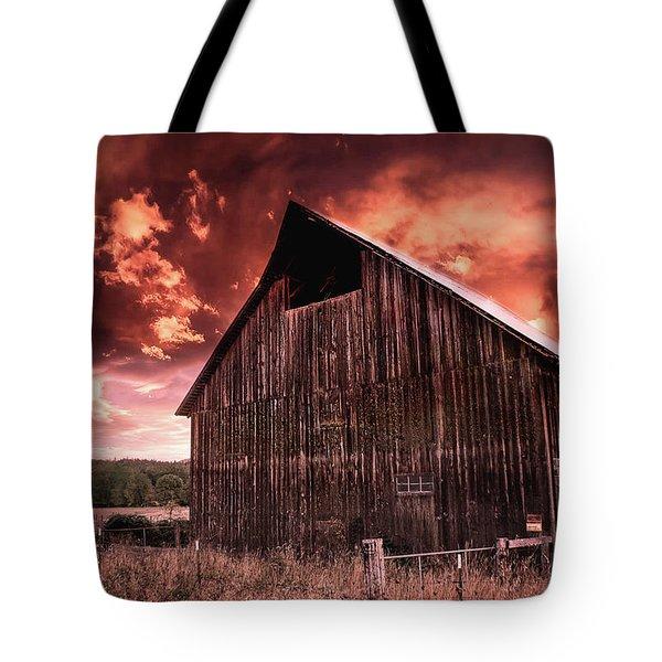 1912 Historic Barn Tote Bag