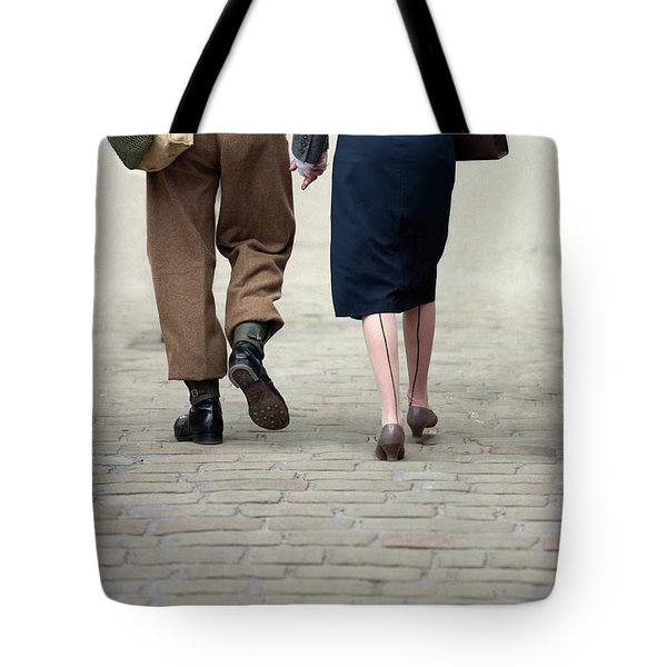 1940s Couple Soldier And Civilian Holding Hands Tote Bag