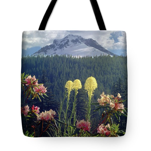 1m5101 Flowers And Mt. Hood Tote Bag
