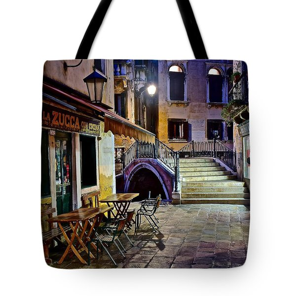 An Evening In Venice Tote Bag by Frozen in Time Fine Art Photography