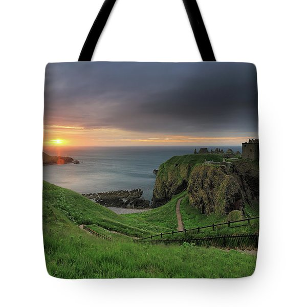 Dunnottar Castle At Sunrise Tote Bag