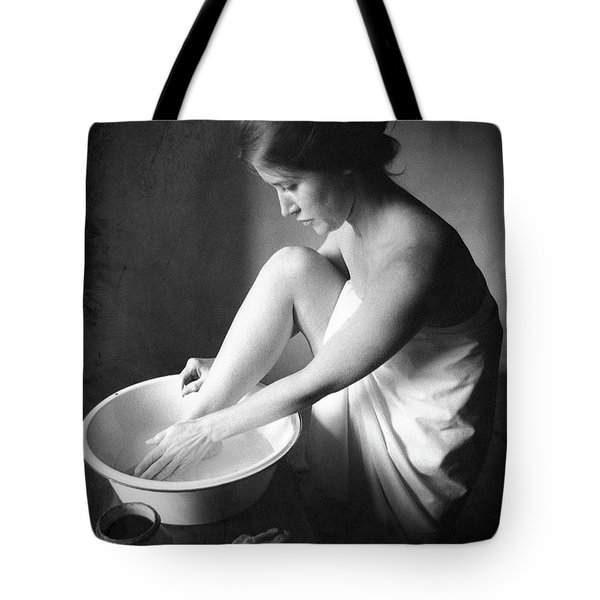 Tote Bag featuring the photograph Footwasher by Jennifer Wright