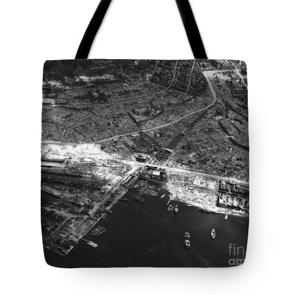 Nagasaki, 1945 Tote Bag by Photo Researchers