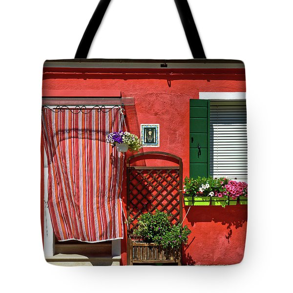 Picturesque House In Burano Tote Bag