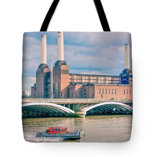Pink Floyd's Pig At Battersea Tote Bag