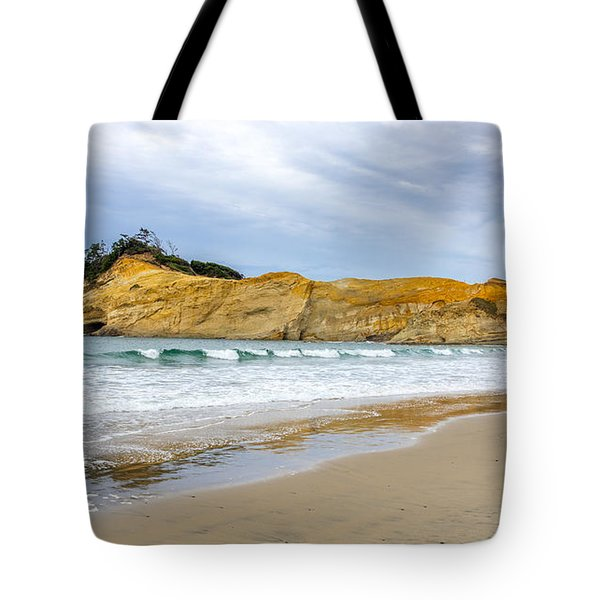 Cape Kiwanda Tote Bag by Jerry Cahill