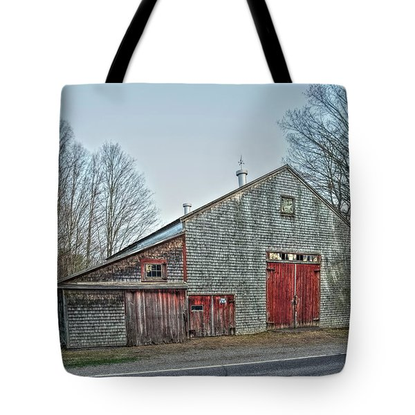 Faithful Old Barn Tote Bag