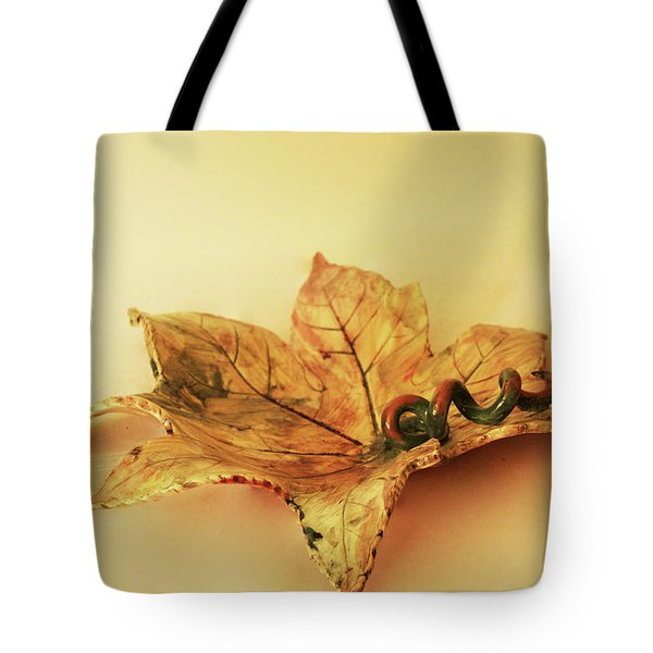 Leaf Plate1 Tote Bag by Itzhak Richter