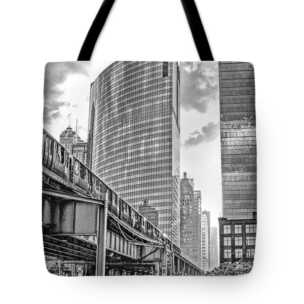 333 W Wacker Drive Black And White Tote Bag