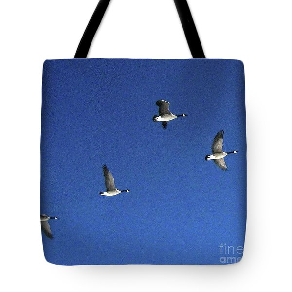 4 Geese In Flight Tote Bag