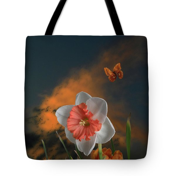 Tote Bag featuring the photograph 4413 by Peter Holme III