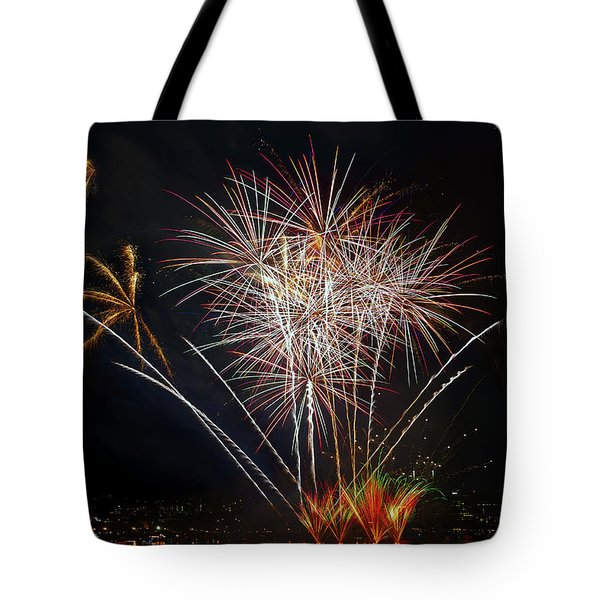 4th Of July Fireworks Display From The Barge Portland Oregon Tote Bag by David Gn