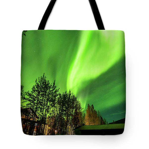 Northern Lights, Aurora Borealis At Kantishna Lodge In Denali National Park Tote Bag