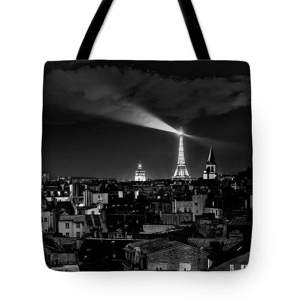 Tote Bag featuring the photograph Paris by Hayato Matsumoto