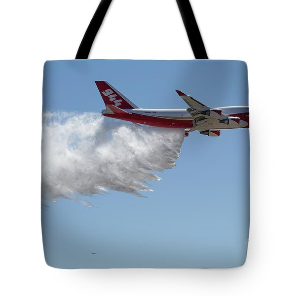747 Supertanker Drop Tote Bag