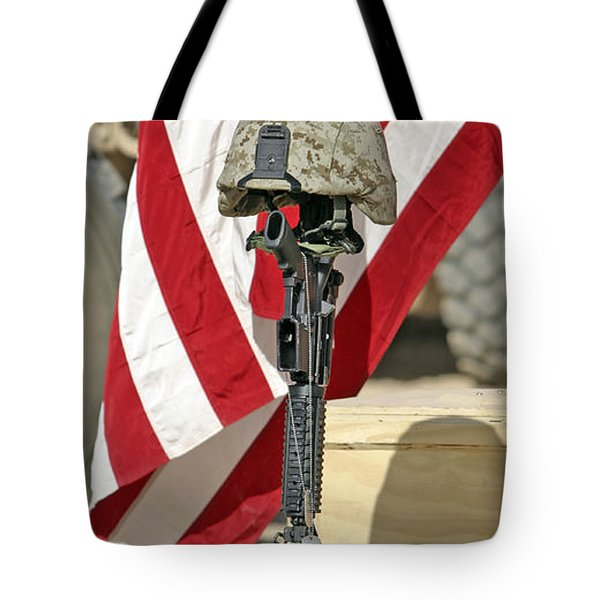 A Battlefield Memorial Cross Rifle Tote Bag by Stocktrek Images