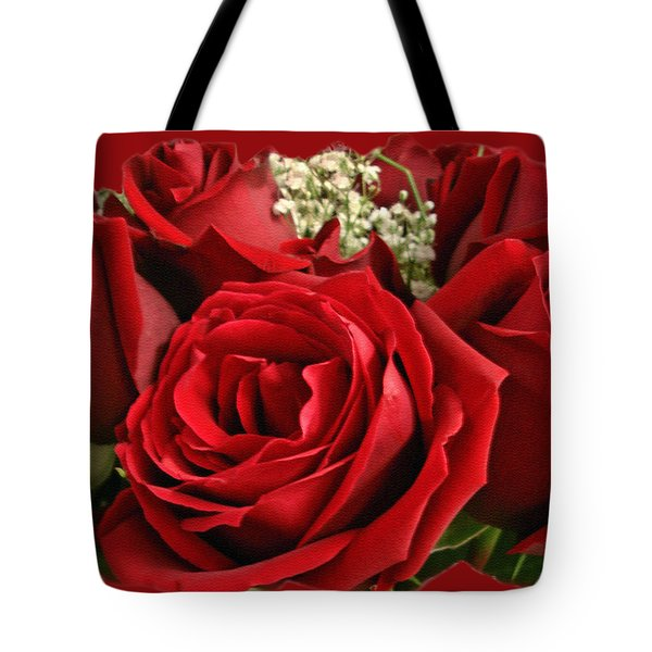 A Bouquet Of Red Roses Tote Bag by Sue Melvin