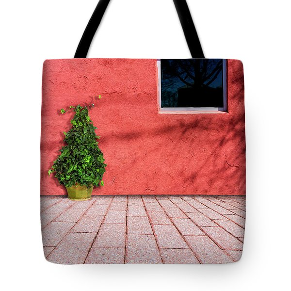 Tote Bag featuring the photograph A Bugs View by Paul Wear