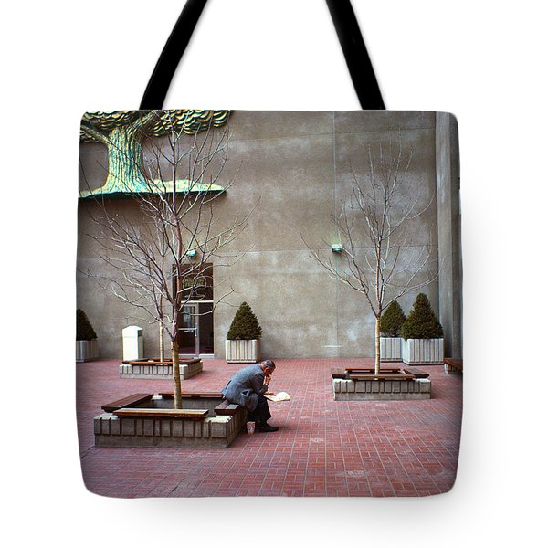 A Good Tree To Come To...to Read Tote Bag