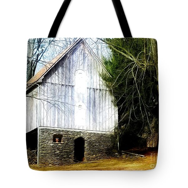 A Hidden Barn In West Chester, Pa Tote Bag
