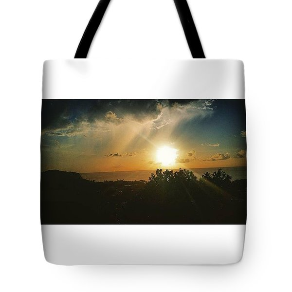 A Perfect Sunset  Tote Bag by Vicki Giannakopoulos