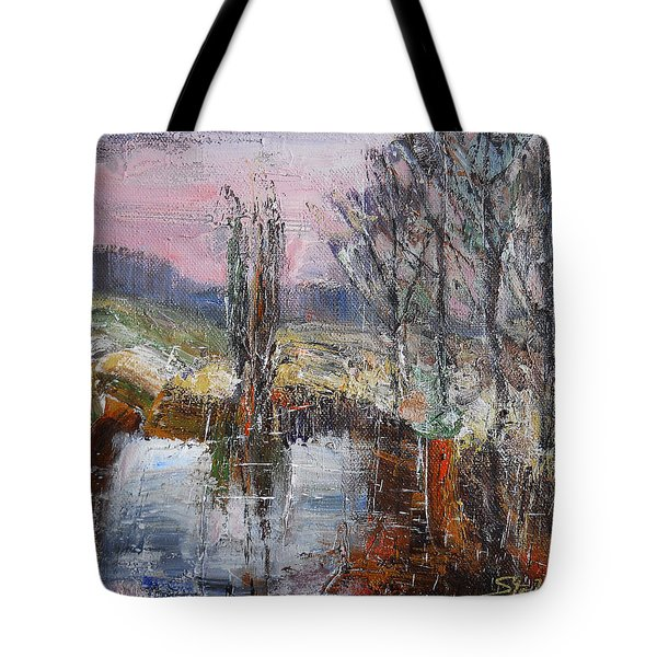 A Puff Of Autumn IIi Tote Bag