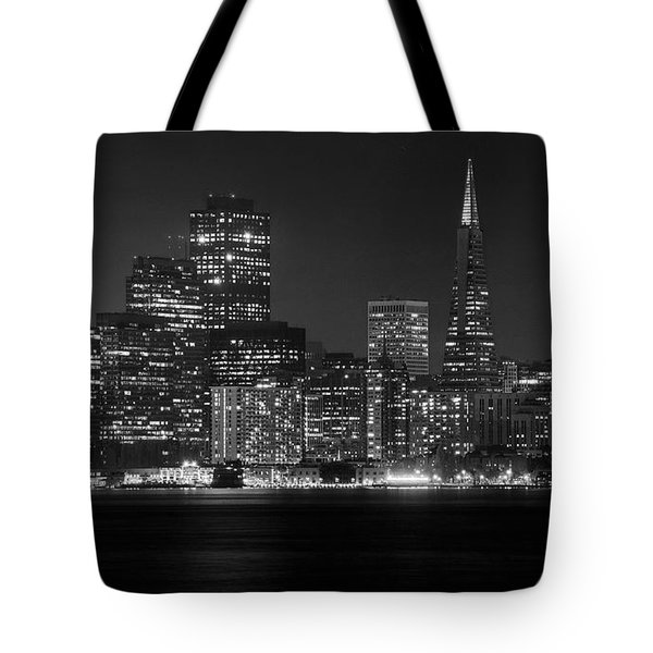 Tote Bag featuring the photograph A Pyramid In The City by Peter Thoeny
