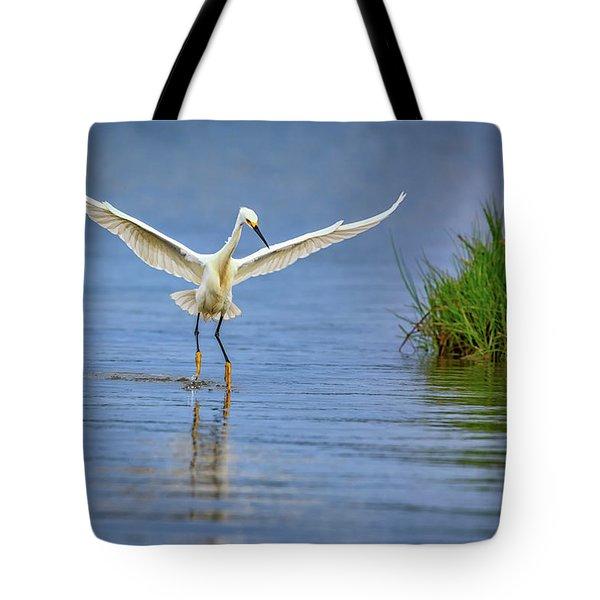 A Snowy Egret Dip-fishing Tote Bag by Rick Berk