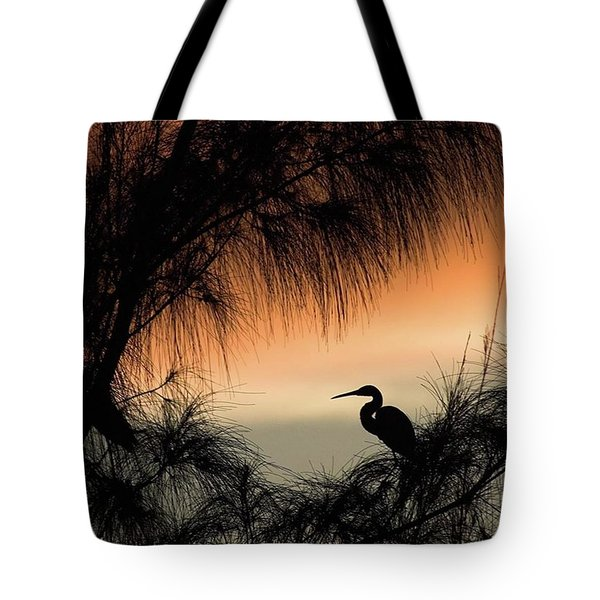 A Snowy Egret (egretta Thula) Settling Tote Bag by John Edwards