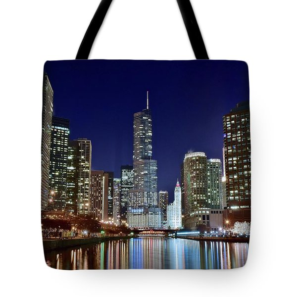 A View Down The Chicago River Tote Bag by Frozen in Time Fine Art Photography