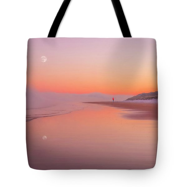 A Winters Morning Tote Bag by Roy McPeak