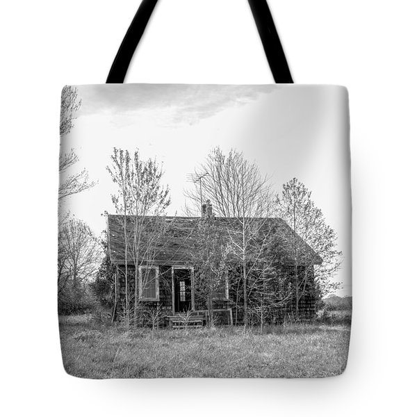 Abandoned House Queenstown, Md  Tote Bag
