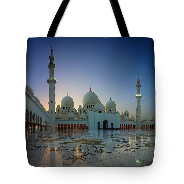 Abu Dhabi Grand Mosque Tote Bag