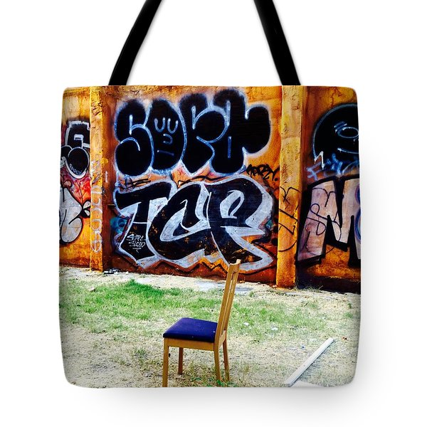 Admiring Barcelona Graffiti Wall Tote Bag