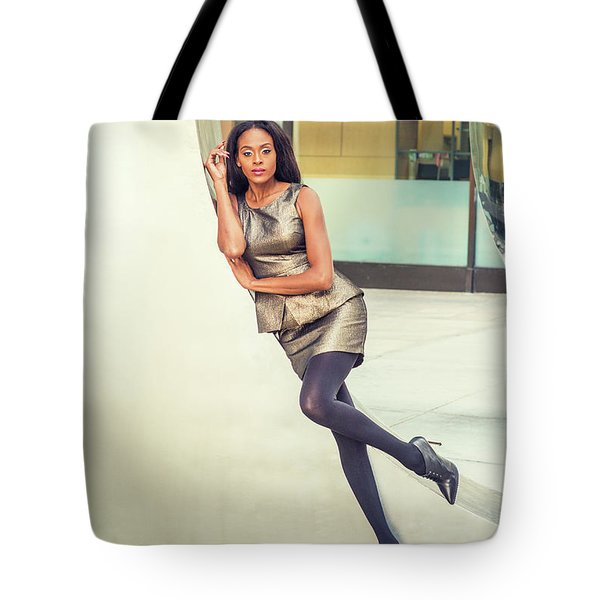 African American Business Woman Fashion In New York Tote Bag