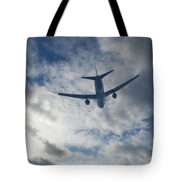 Tote Bag featuring the photograph Airliner 01 by Mark Alan Perry