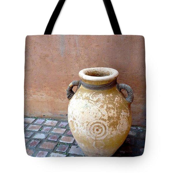 Al Ain Urn Tote Bag