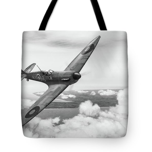 Tote Bag featuring the photograph Al Deere In Kiwi IIi Bw Version by Gary Eason
