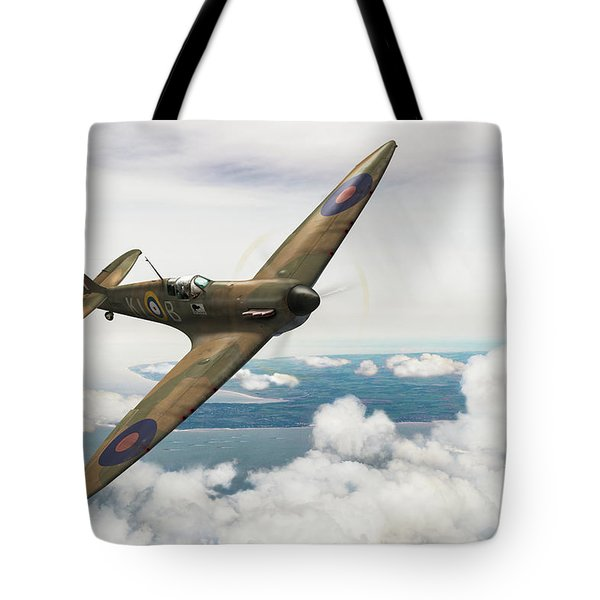 Tote Bag featuring the photograph Al Deere In Kiwi IIi by Gary Eason