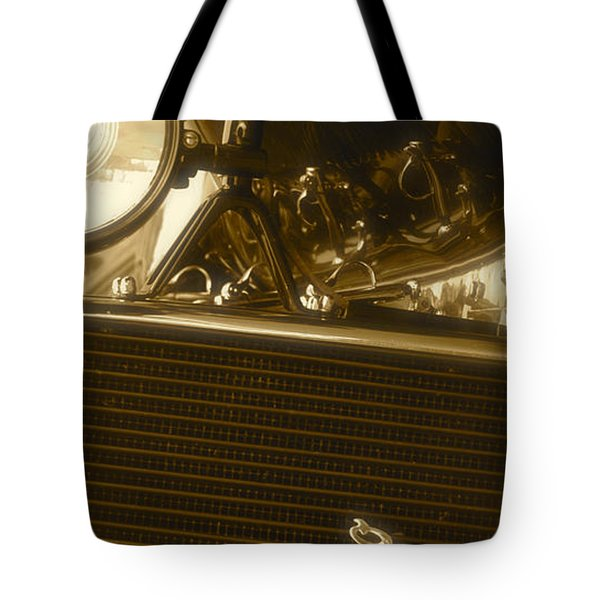 Alfa Romeo Front Grille Detail Phone Case Tote Bag