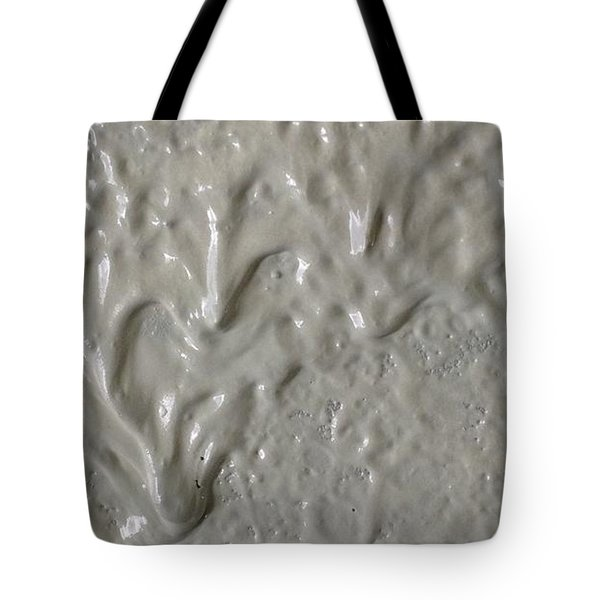 Alien Ram Charging From The Left Side Tote Bag